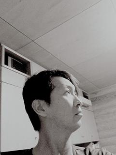 永原トミヒロ